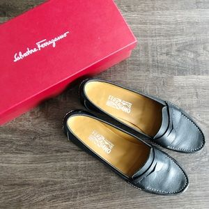 Salvatore Ferragamo Black Leather Loafers Sz 10 B